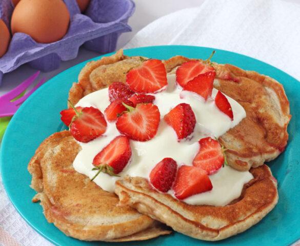 Strawberry-Yogurt-Pancakes
