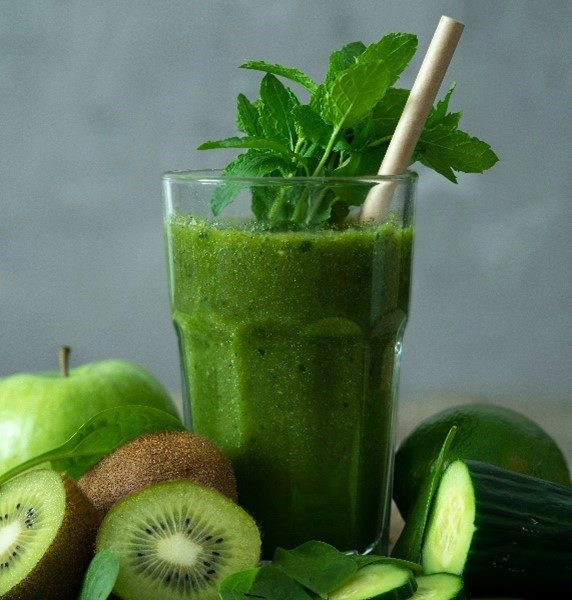 Green Smoothie with kiwi apple cucumber spinach