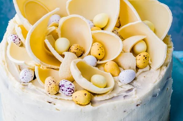 White chocolate easter cake