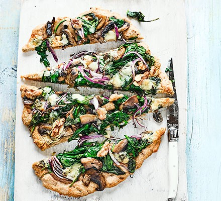 spinach-blue-cheese-pizza