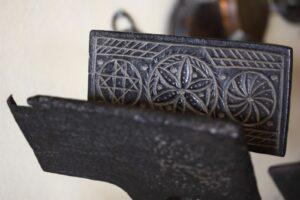 Medieval Waffle Iron - Smithsonian
