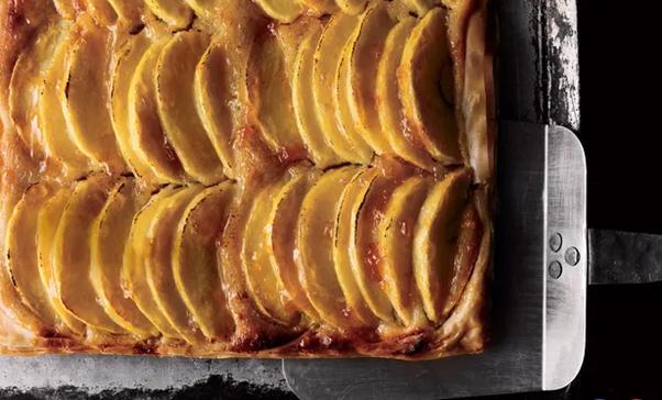 Braeburn apple and almond tart