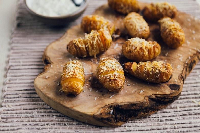 Mini_hasselback_Cornish_new_potatoes