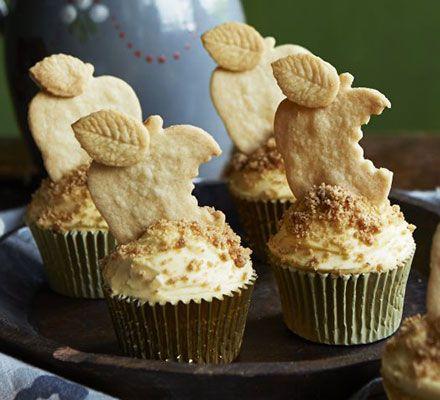 apple-crumble-custard-cupcakes