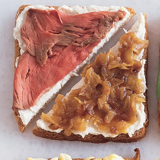 Roasted beef and caramelised onion sandwich