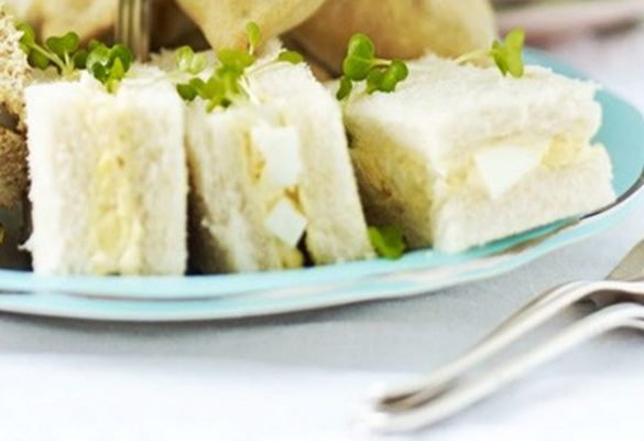 egg and spring onion mayo sandwiches