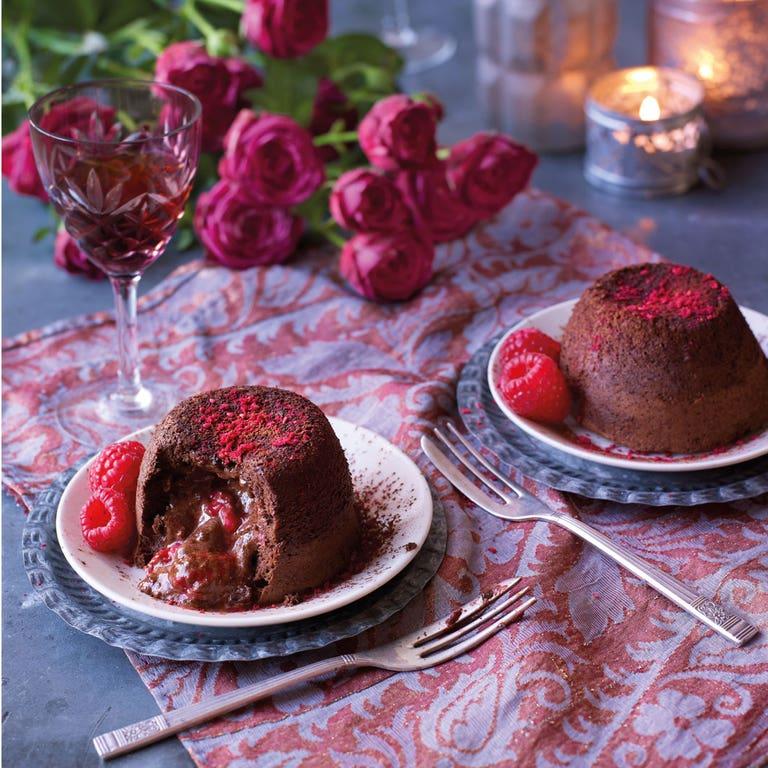 chocolate-raspberry-fondants-on-plate-chocolate-raspberry-fondant