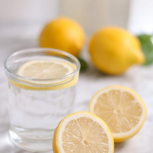 drink-water-with-lemon