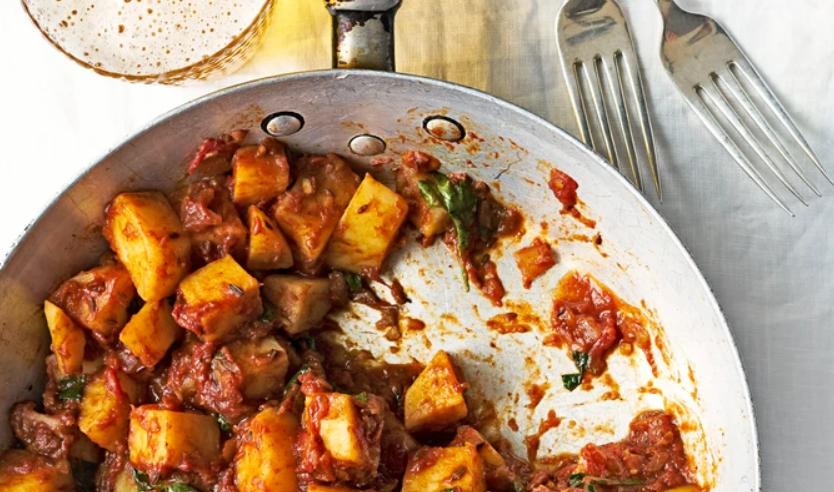 Quick tamarind potato curry