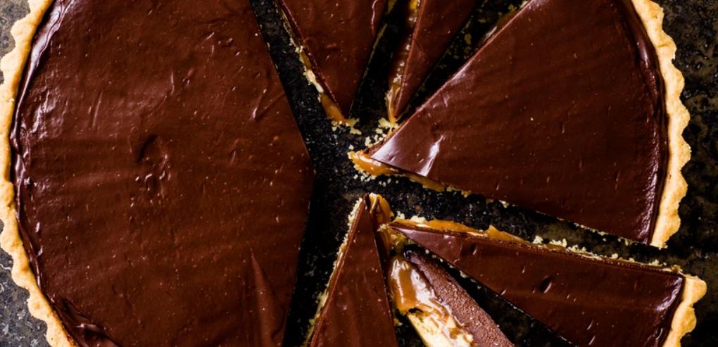 Peanut chocolate tart